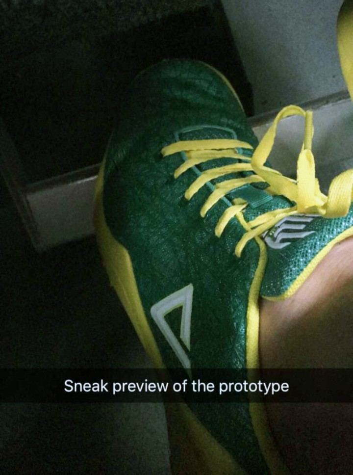 delly shoe.jpg